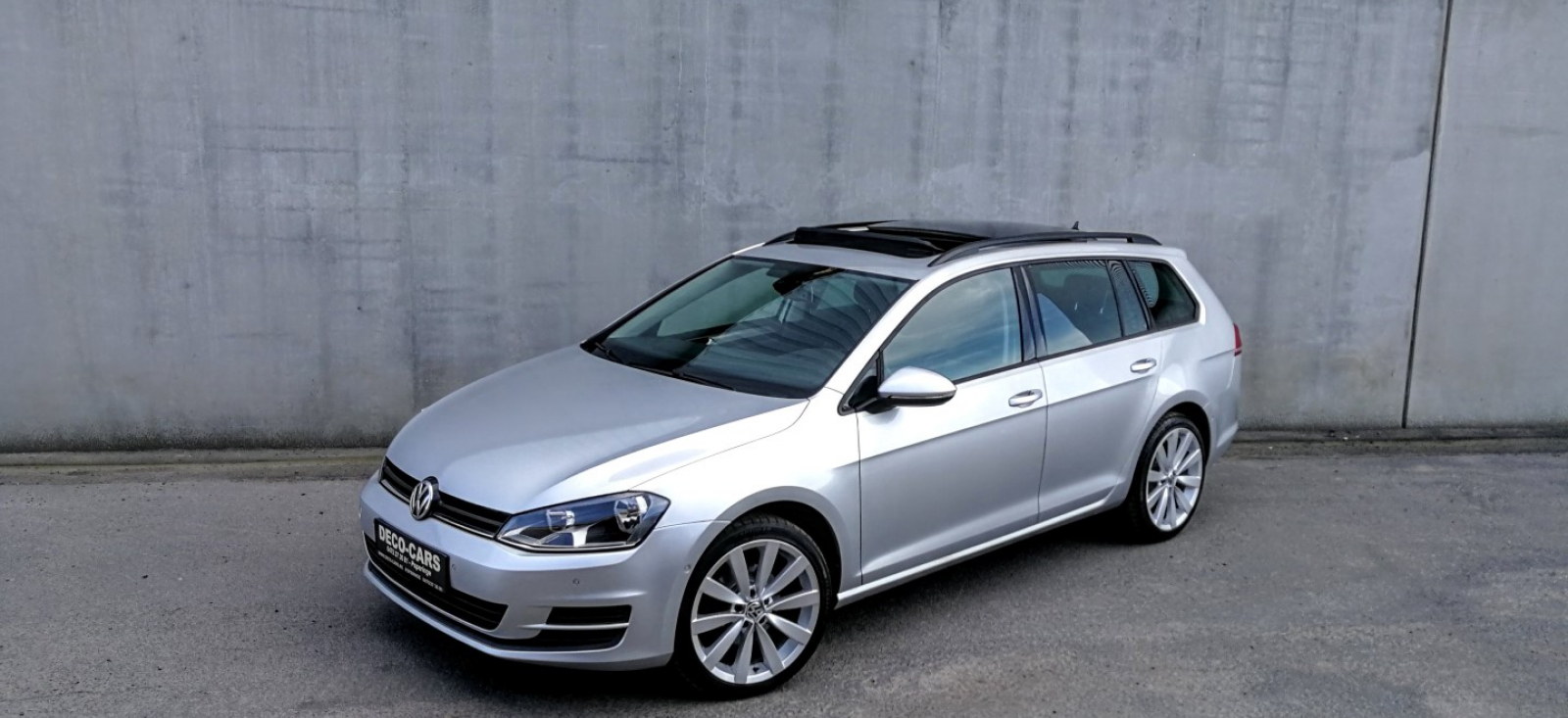 volkswagen golf vii break 1 6 tdi navigatie auto parkeren adaptive cruise panoramisch dak. Black Bedroom Furniture Sets. Home Design Ideas
